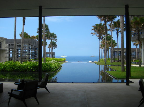 Alila Villas Uluwatu: View from Lobby