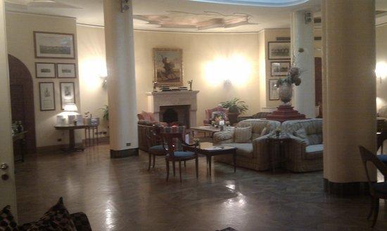 The Duke Hotel: The Polo Lounge