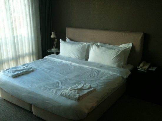 Bentley by Molton Hotels: Bedroom in floor suite