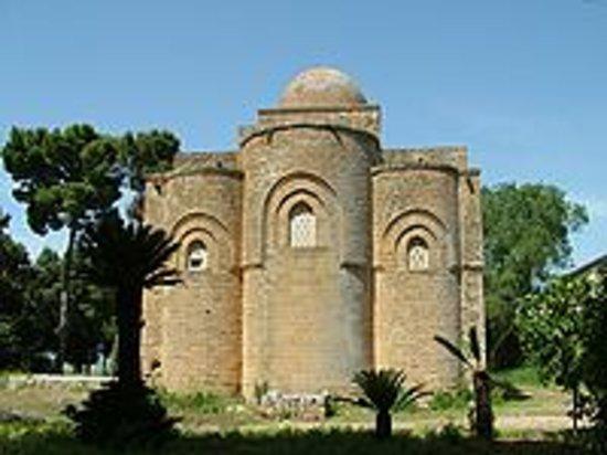 Chiesa Santissima Trinità di Delia