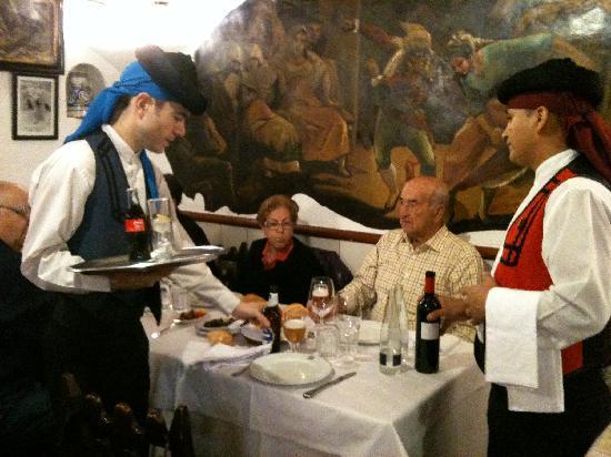 Las Cuevas de Luis Candelas: En el Restaurante