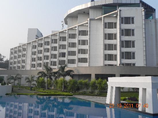 Ramada Plaza JHV Varanasi: Hotel View