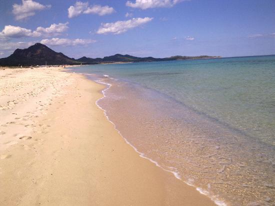 Piscina rei hotel costa rei sardegna prezzi 2019 e recensioni - Spiaggia piscina rei ...