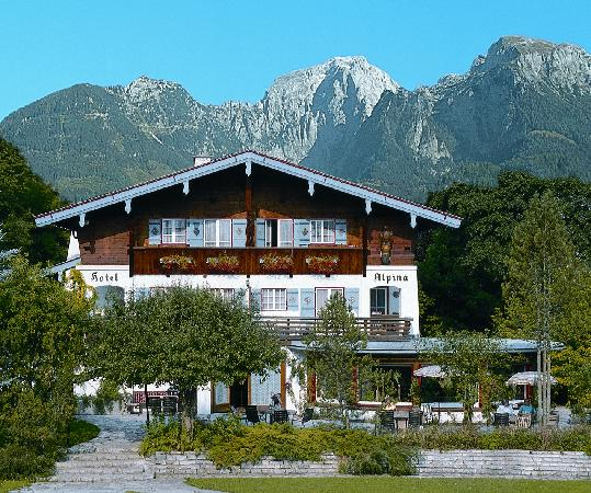 Stoll's Hotel Alpina: Hauptansicht