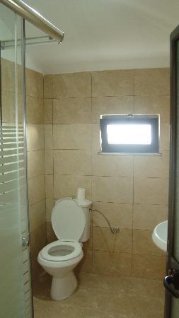Hotel Viktoria: badkamer