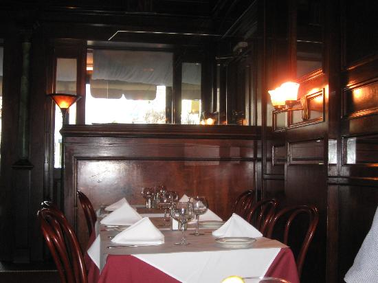 Bistro Le Steak: Dining room