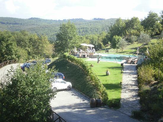 Hotel Le Pozze di Lecchi : Vista dalla stanza sulla piscina