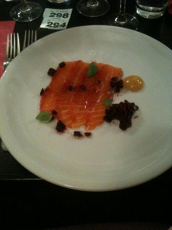 NomisRestaurant: Betroot salmon