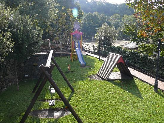 Le Cisterne Turismo Rurale: Particolare parco giochi