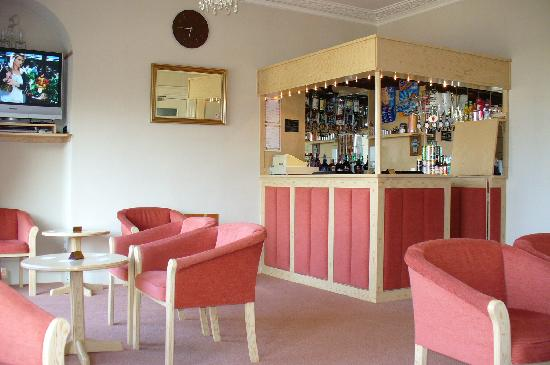 The Sands Hotel: Bar area