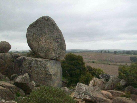 Cerro El Centinela: Piedra en equilibrio