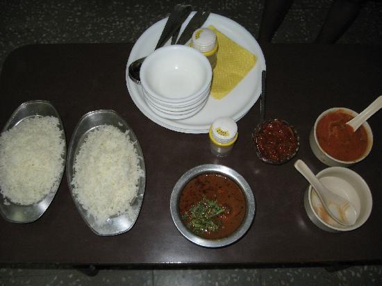 Hotel Raj Kesar: Our Dinner