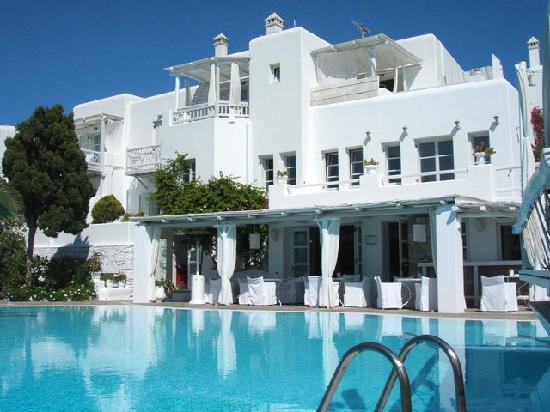 Hotel Belvedere: 泳池邊的照片