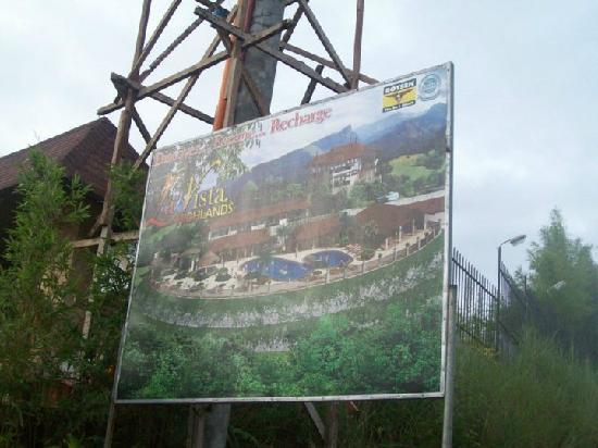 La Vista Highlands Mountain Resort Paradise: billboard-landmark