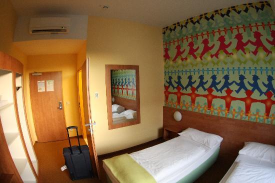 B&B Hotel Berlin-Potsdamer Platz: the room