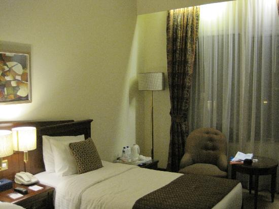 Howard Johnson Bur Dubai: tidy room