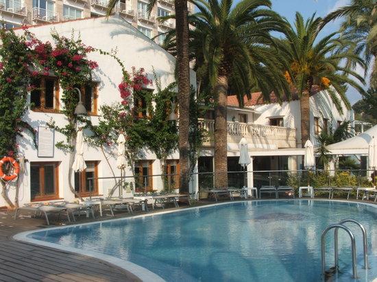 Hotel Cala Galdana & Villas d'Aljandar: Lovely pool area