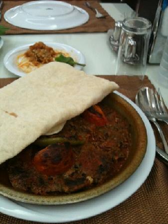 Hatay Sultan Sofrasi: tepsi kebabi