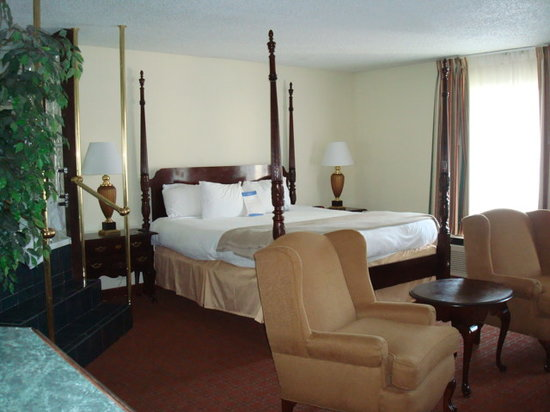 Florence, SC: Suite bedroom