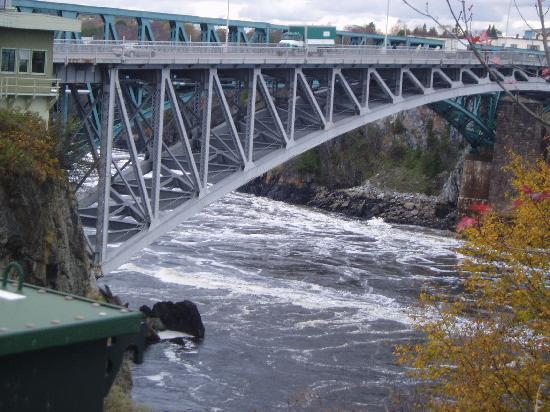 Reversing Falls: reversed river flow