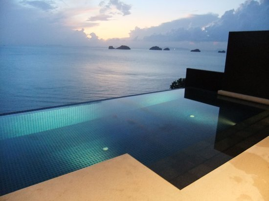 Conrad Koh Samui: View of private pool in the evening