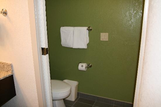 Sleep Inn at North Scottsdale Road: New Bathroom