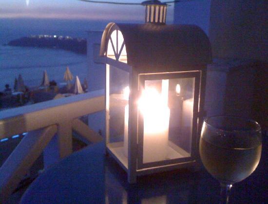 Ampelonas Studios & Maisonettes: Jolie lanterne...
