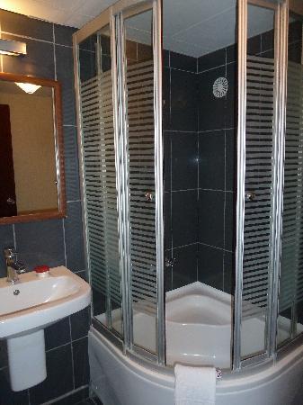 Avrasya Hotel: salle de bain