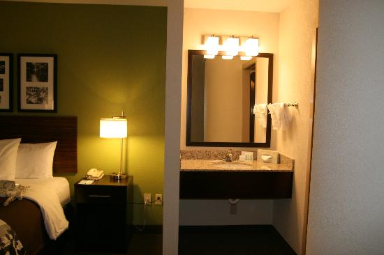 Sleep Inn at North Scottsdale Road: New Vanity