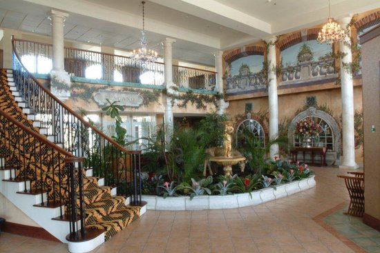 Egg Harbor City, NJ: Tuscany House Hotel Lobby