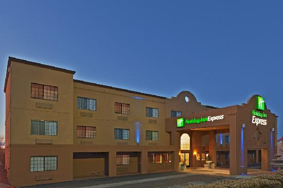 Holiday Inn Express Santa Fe - Cerrillos: Exterior