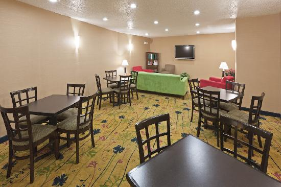 Holiday Inn Express Santa Fe - Cerrillos: Great Room