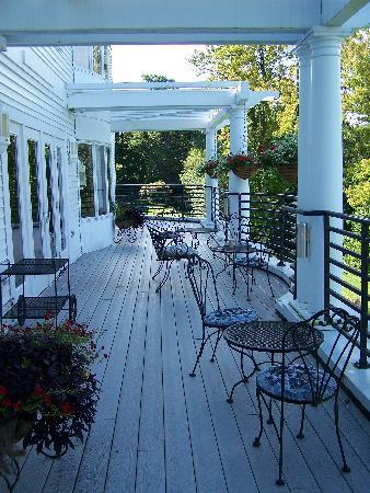 Red Jacket Mountain View Resort & Water Park: Terrasse extérieure pour l'apéro