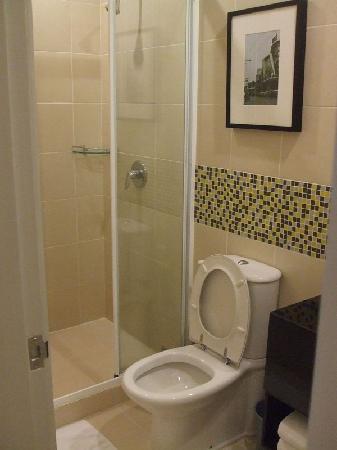 เลกาซี่ เอ็กซ์เพรส กรุงเทพ: toilet