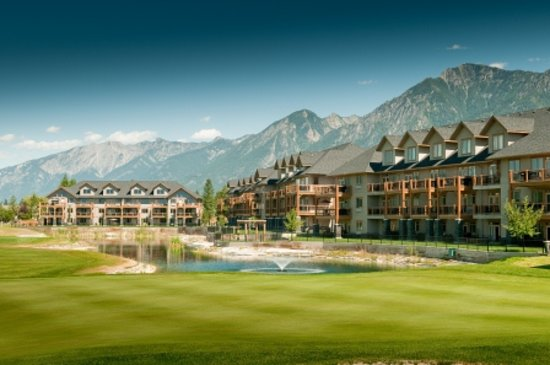 Bighorn Meadows Resort: 10 Acres Set Amidst the Acclaimed Springs Golf Course