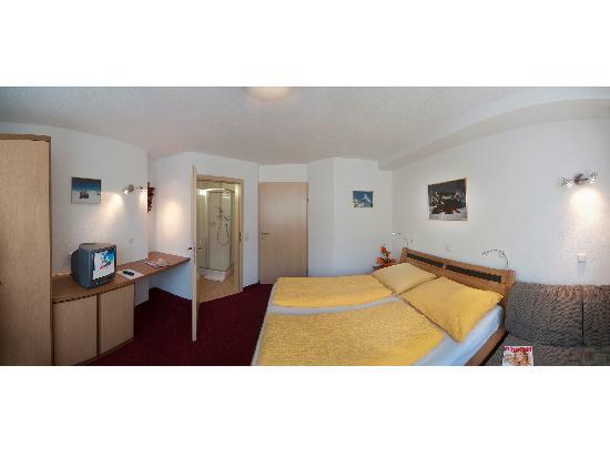 Apartments Herold: Beispiel Schlafzimmer Type B und C/Example Bedroom Type B and C