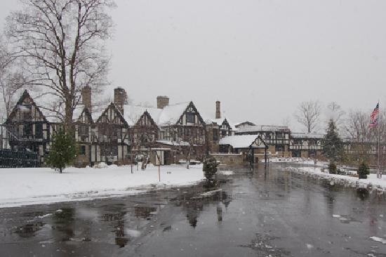 Punderson Manor Lodge and Conference Center: Winter at Punderson Manor