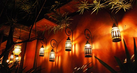Zazen Boutique Resort & Spa: Beautifully lit at night