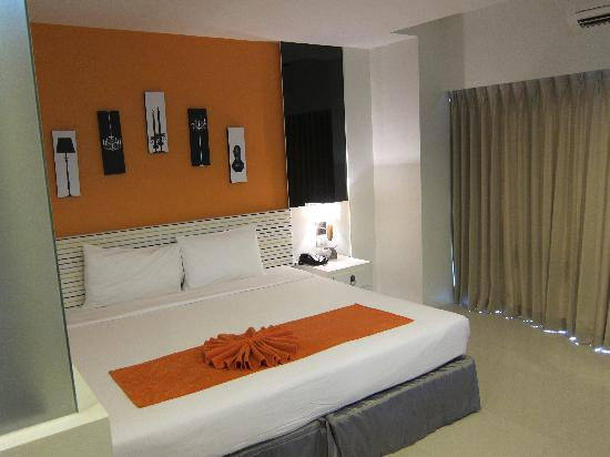 The Lantern Resorts Patong: the bed