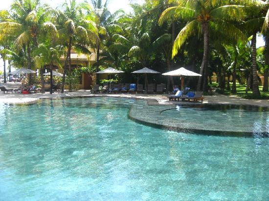 Mauricia Beachcomber Resort & Spa : piscine