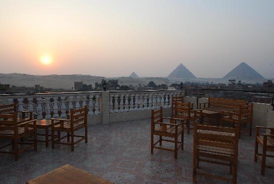 Pyramids Inn Motel