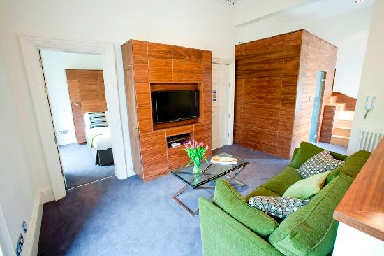 Merchiston Residence: One 2 bed apartment with a separate bedroom