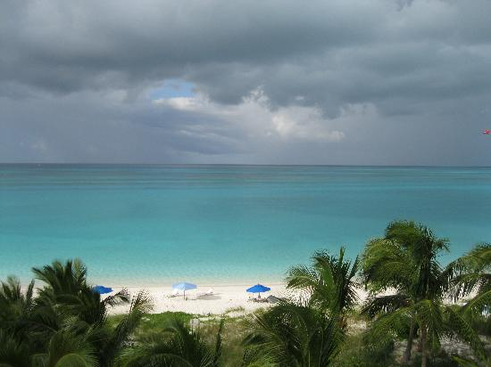 Grace Bay: Beautiful colors of water!