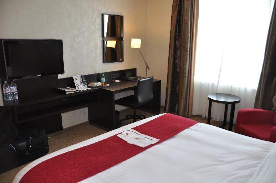 โรงแรมมาริออทท์ มิวนิก: TV/Desk