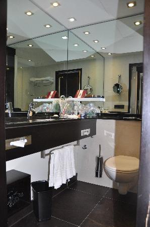 โรงแรมมาริออทท์ มิวนิก: Bath