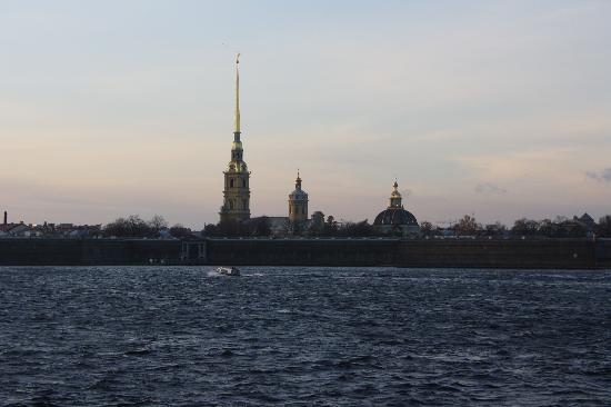 โบสถ์แห่งหยดพระโลหิตพระผู้ไถ่: Cathedral of SS Peter and Paul