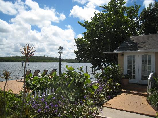 Turtle Beach Resort: The 2 bedromm Country Cottage with private hot tub, patio and hammock.