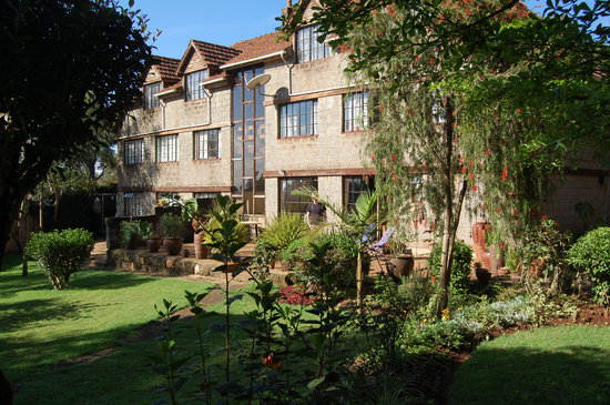 Kikuyu Lodge Hotel & Safaris - TEMPORARILY CLOSED: The back garden at Kikuyu Lodge