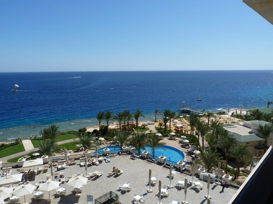 Stella Di Mare Beach Hotel & Spa: view by day