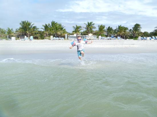 South Seas Island Resort : Sunset Beach